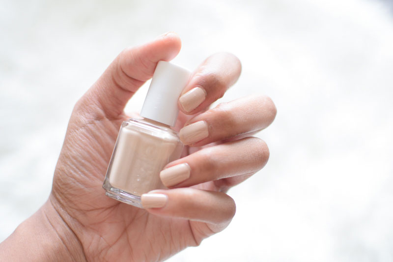 Essie-Cocktails-and-Coconuts-Swatch