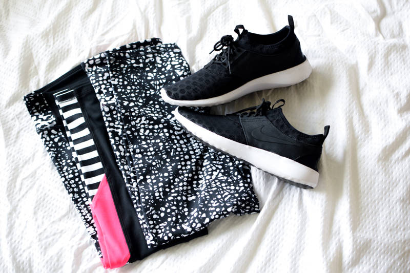 Black-and-White-Workout-Clothes