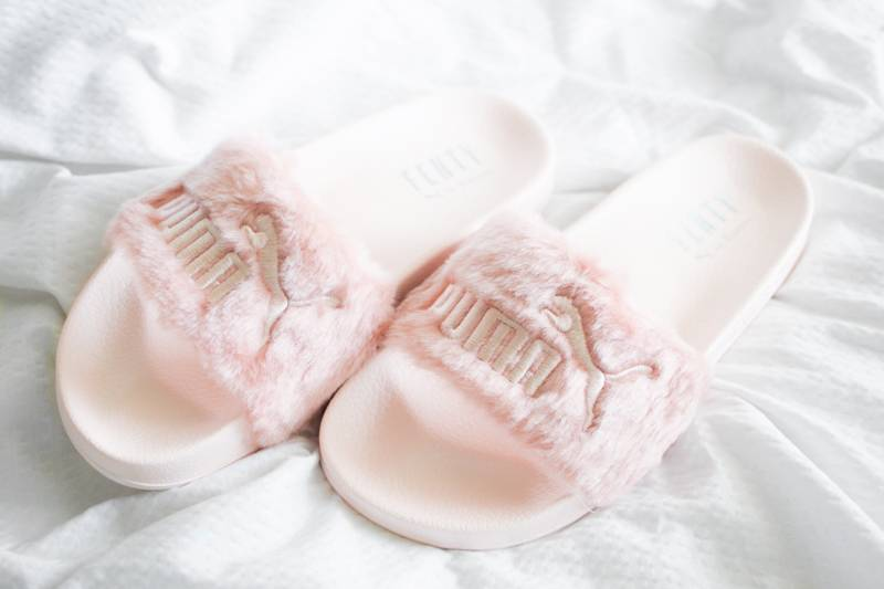 Fenty-Puma-Slides-by-Rihanna-Leadcat-4