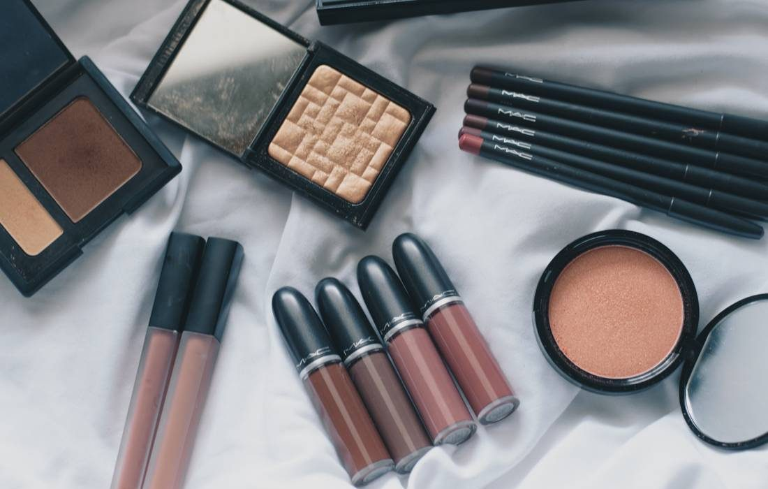 4 Makeup Decluttering Tips | Revamp your Beauty Collection