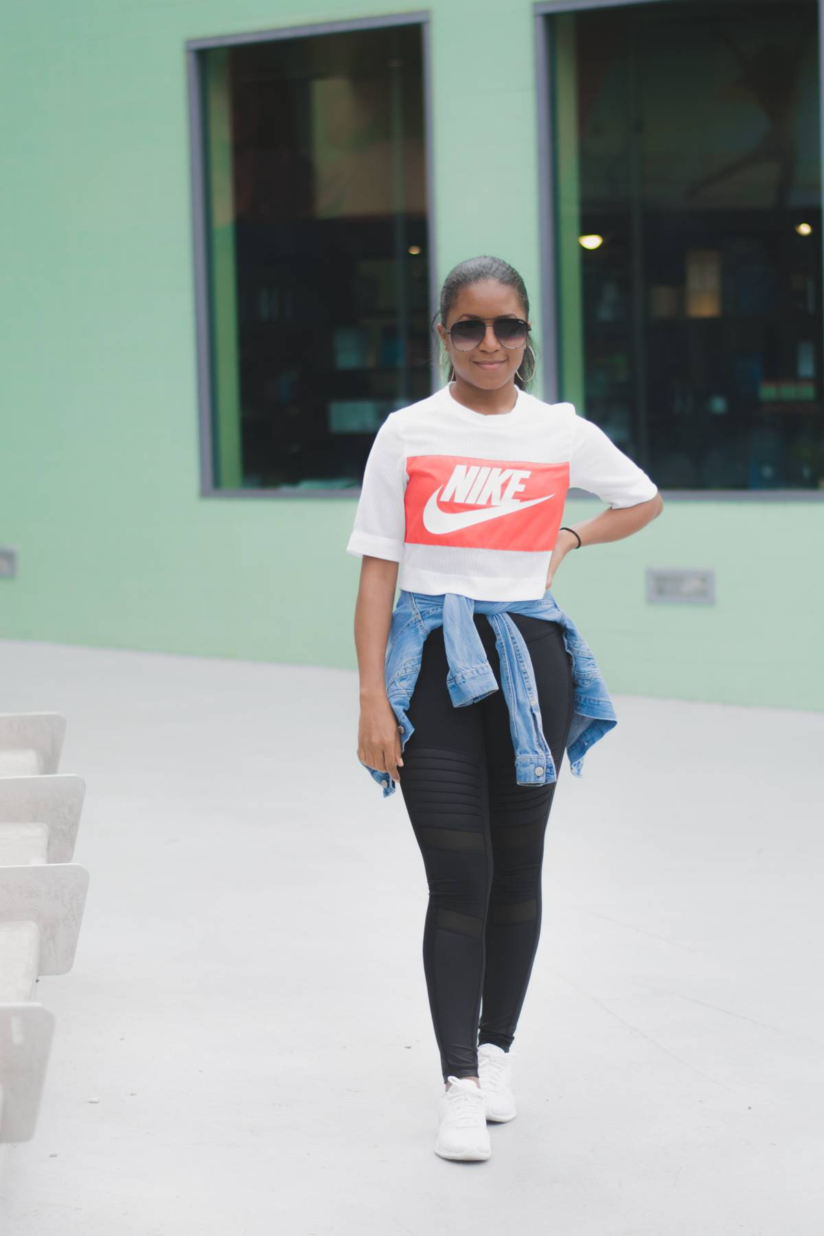 e6d4c75e74c7 Travel Style Nike Crop Airport Outfit-10 ...