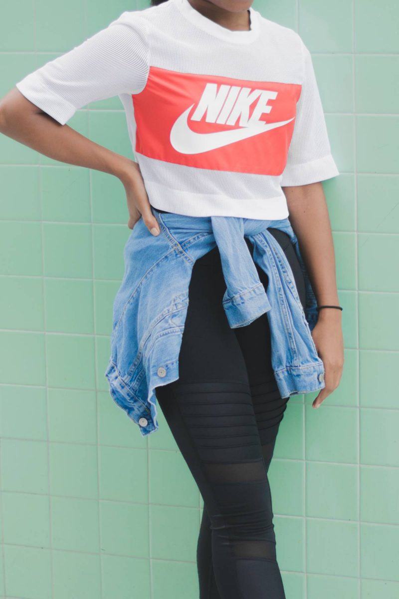 Travel Style Nike Crop Airport Outfit-10