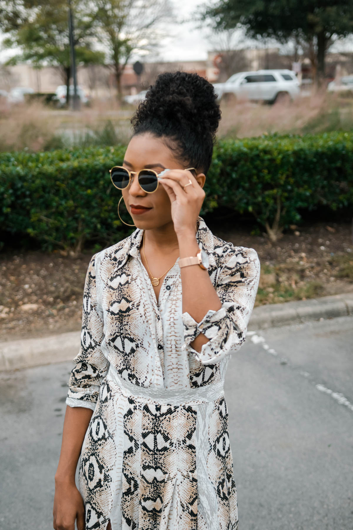 how to style snake print