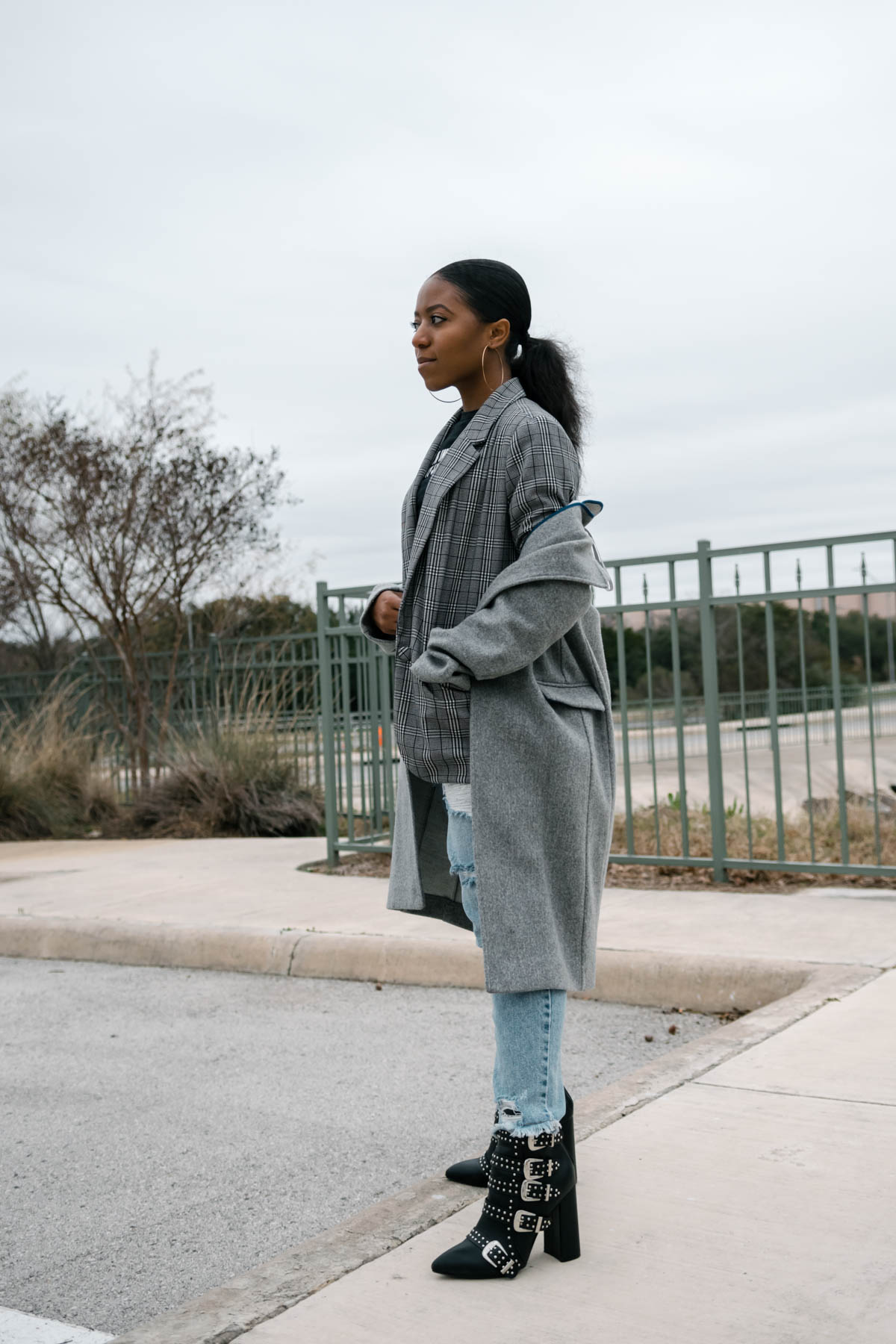 how to style monochromatic outfits