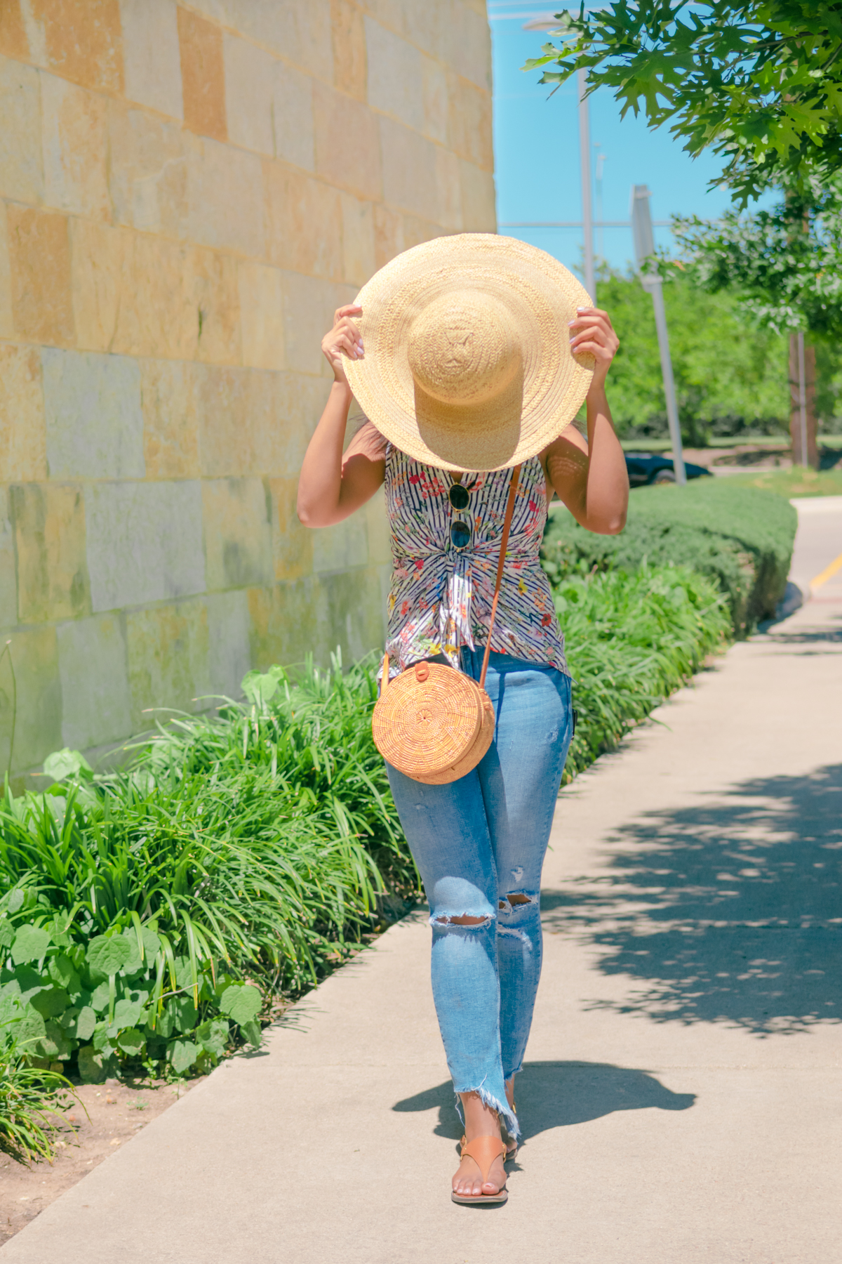 How to Style a Womens Hat-4