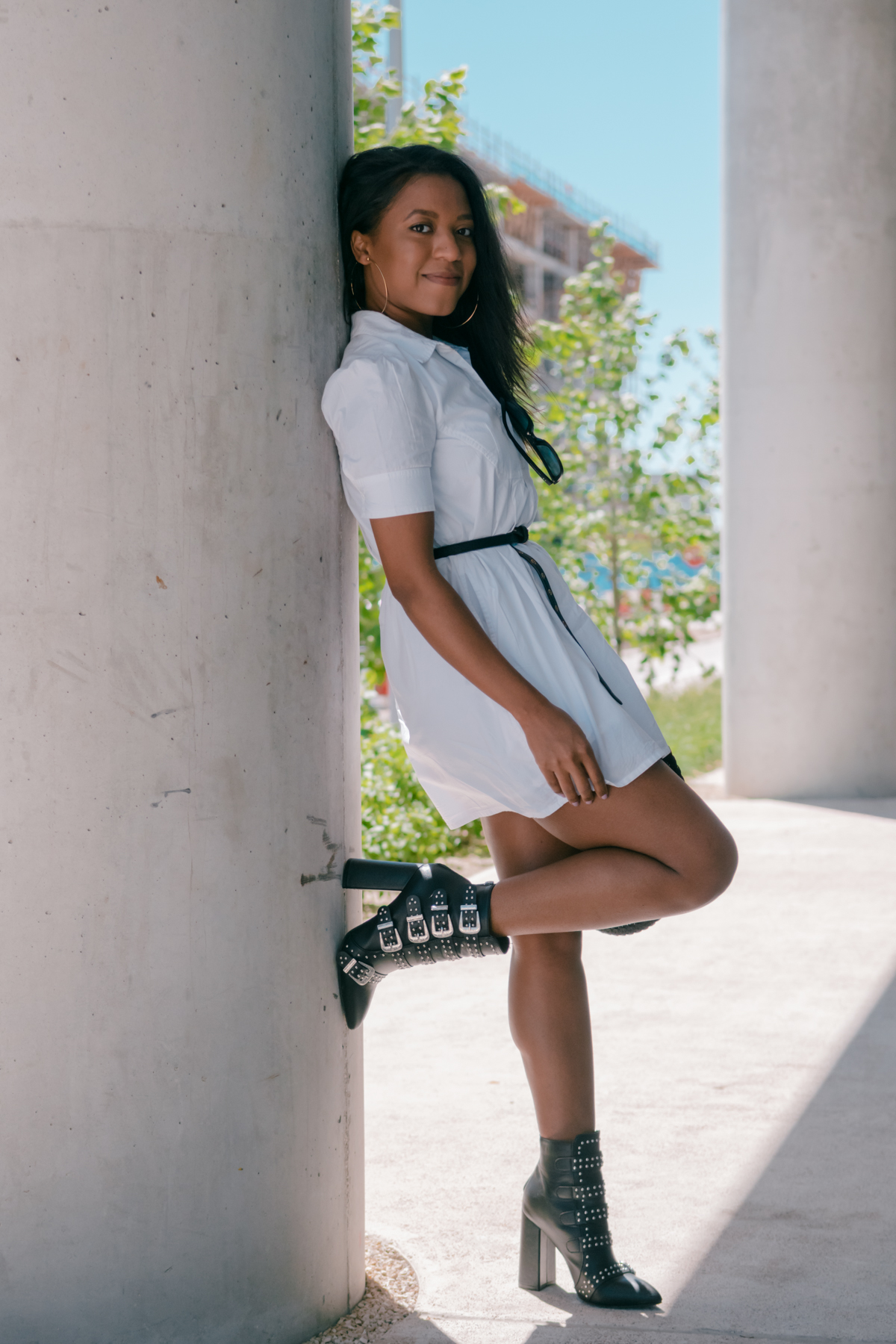 how to style white dresses with boots